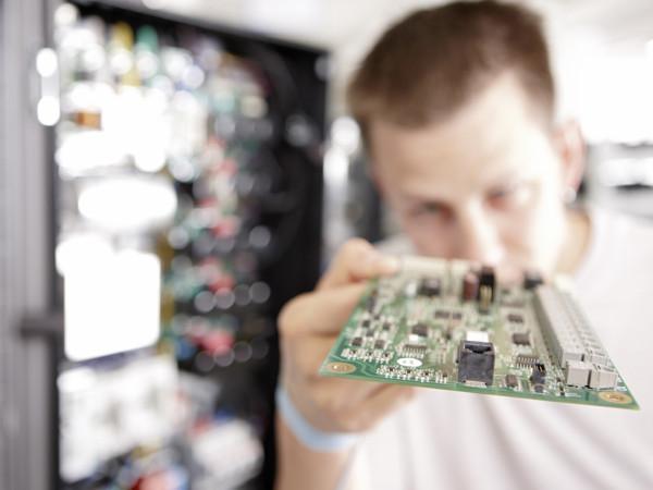 Rafi // Elektronik
